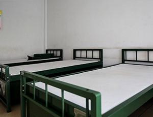 部队军用铁床安装
