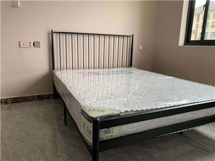 简约铁艺1.5米双人床